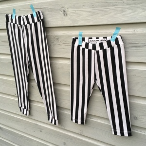 Twinning In Hippe Leggings Met Verticale Strepen Made By Modi